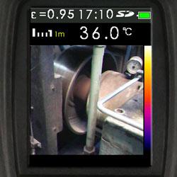La termocamera presenta la immagine come reale, a infrarossi o sovrapposta