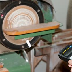 Uso del tachimetro senza contatto