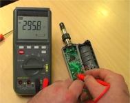 Controllo di una scheda interna di un apparato elettronico con i multimetri